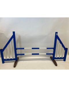 Obstáculo azul (abierto) completo con dos barras de salto y 4 soportes de suspensión
